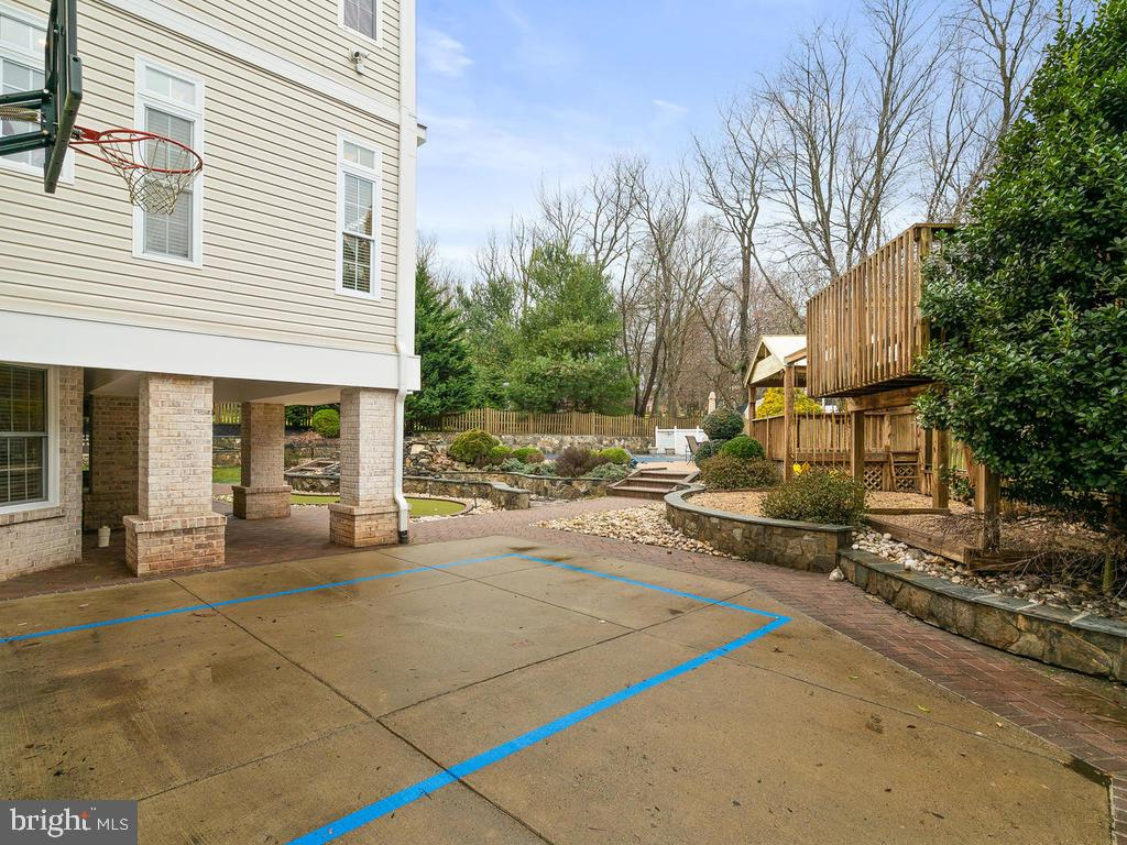 BACKYARD WITH PLAY SET - 10801 WINDCLOUD CT, OAKTON