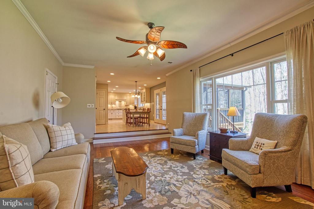 Bright Open Space for Separate Togetherness! - 7308 S VIEW CT, FAIRFAX STATION