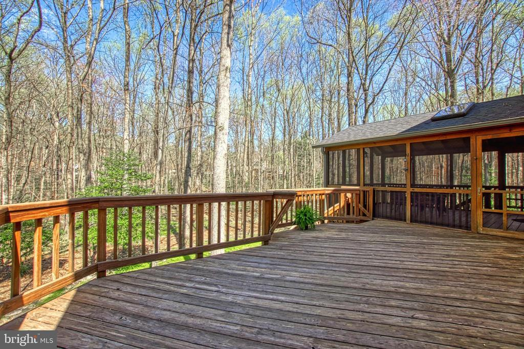 Large Deck with Access to Screen Porch and Yard - 7308 S VIEW CT, FAIRFAX STATION