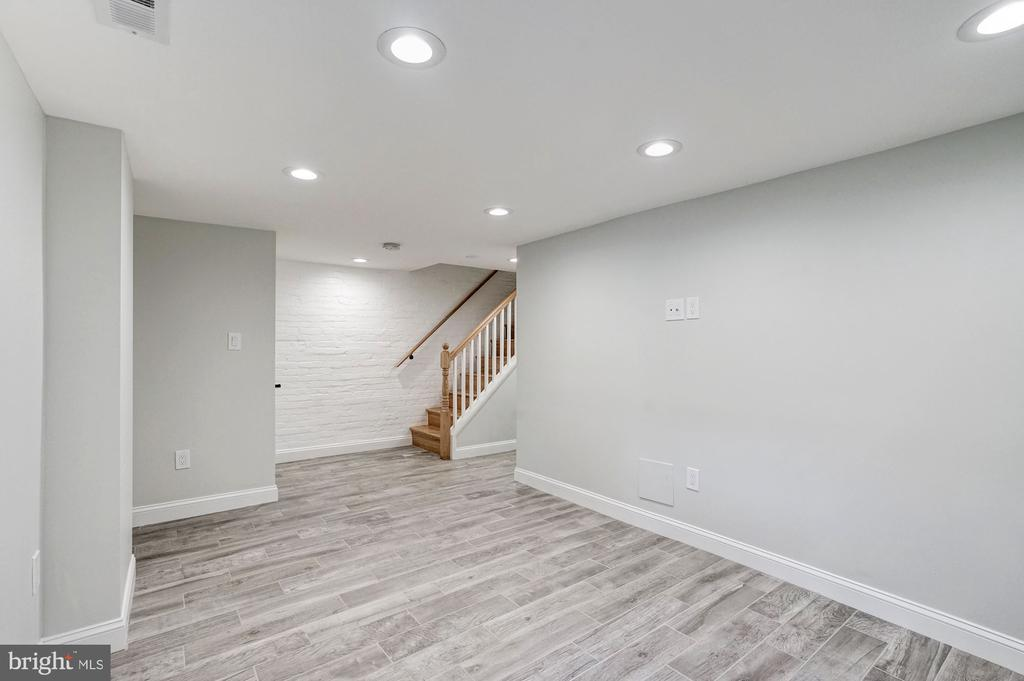 Family Room with Recessed Lighting - 207 VARNUM ST NW, WASHINGTON