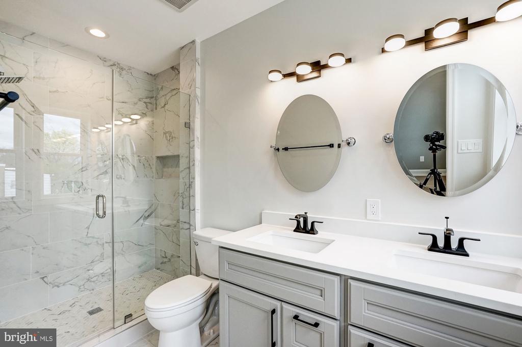 Master Bath with Double Vanity - 207 VARNUM ST NW, WASHINGTON