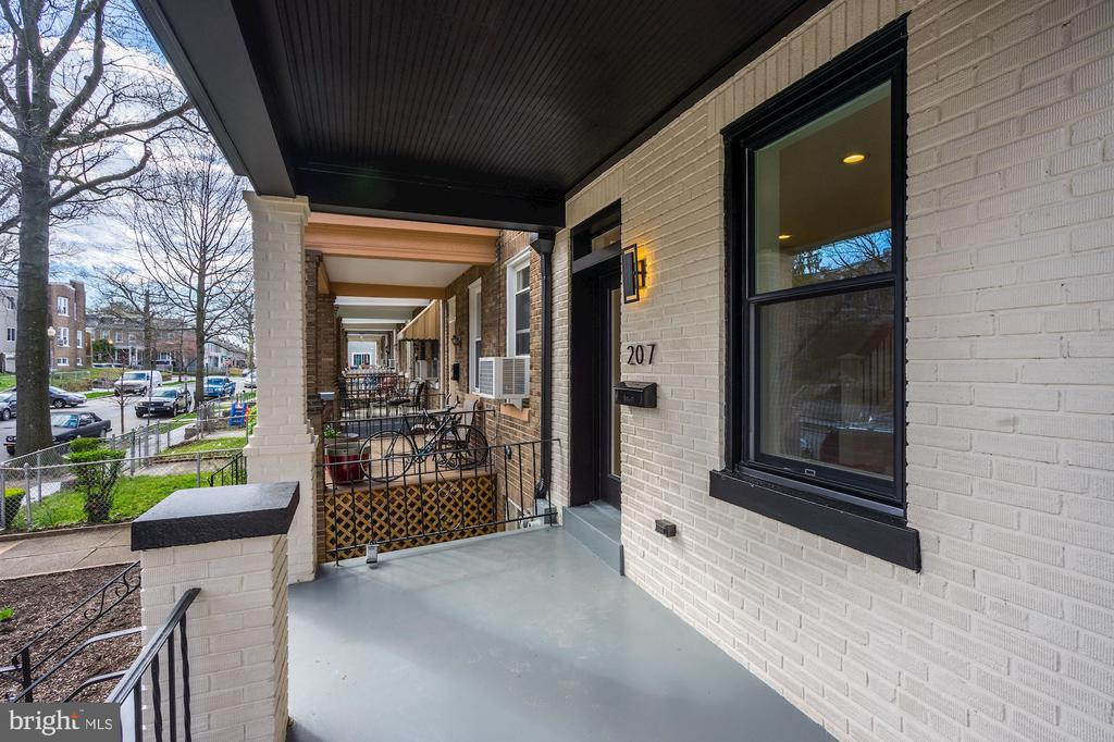 Covered Front Porch - 207 VARNUM ST NW, WASHINGTON