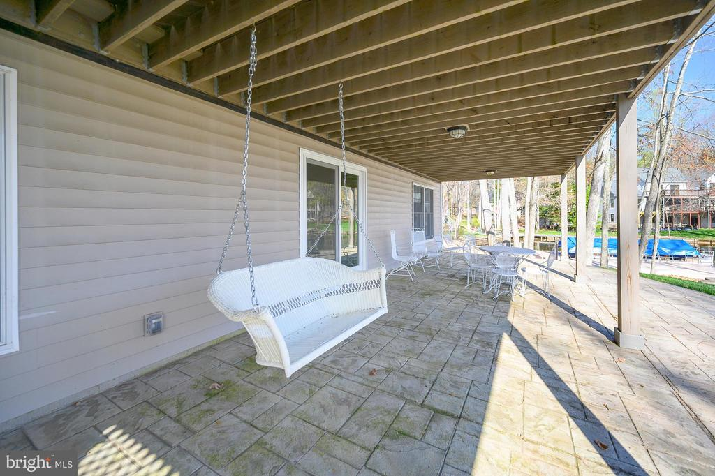 Relax , swing, and enjoy the breathtaking views - 123 MT VERNON CT, LOCUST GROVE