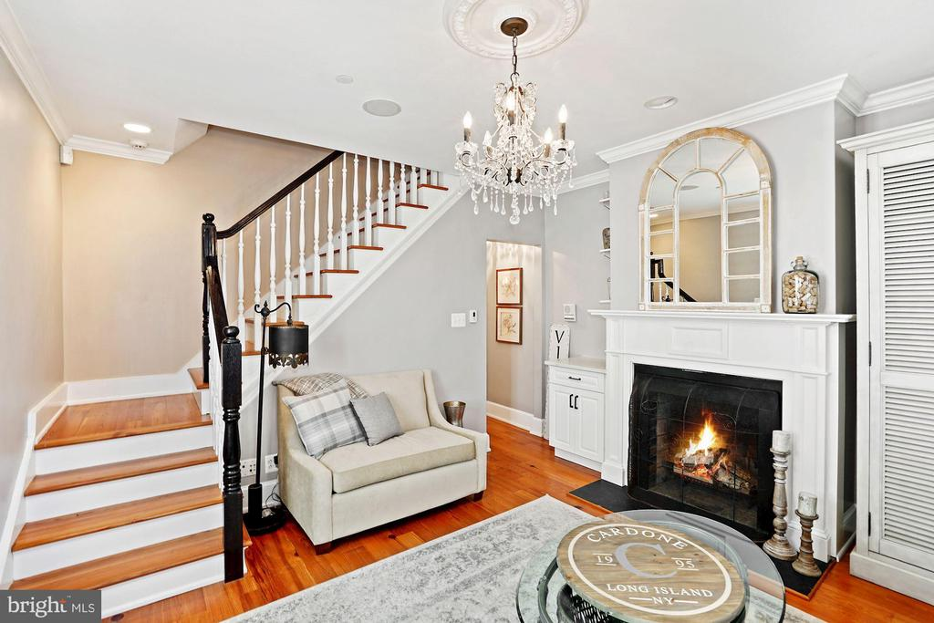 Stairway in Parlor to 2nd level - 320 N PATRICK ST, ALEXANDRIA