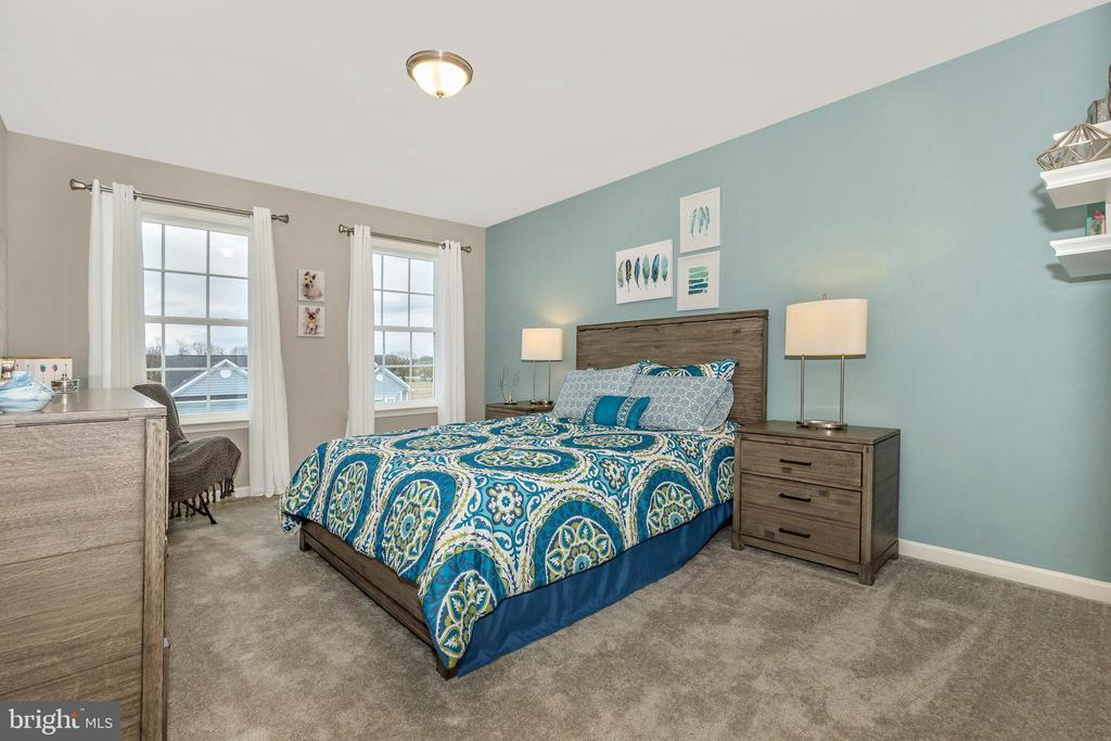 Secondary Bedroom 3 with Walk-In Closet - 307 NICHOLAS HALL ST, NEW MARKET