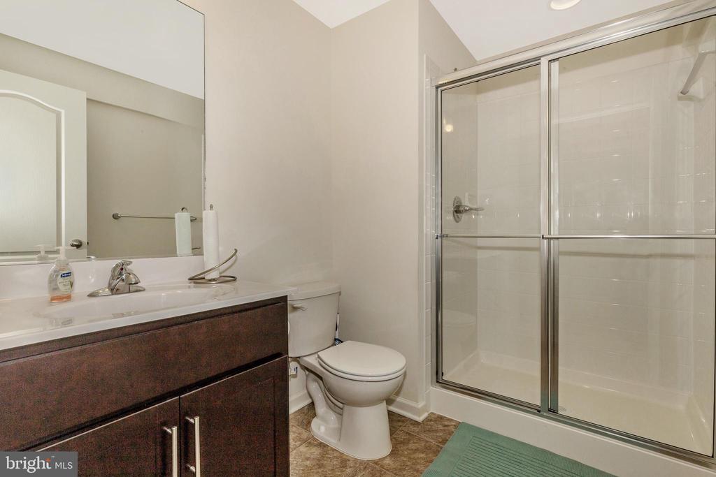 Optional Finished Basement Bathroom - 307 NICHOLAS HALL ST, NEW MARKET