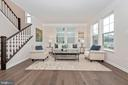 Living Room/ Flex Space - 505 ISAAC RUSSELL, NEW MARKET