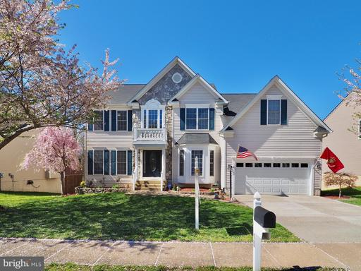 18 COUNTRY MANOR DR