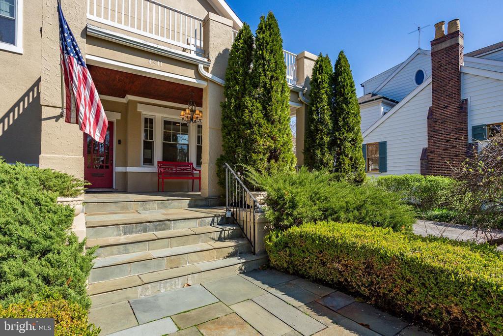 Front Porch - 4311 BRADLEY LN, CHEVY CHASE