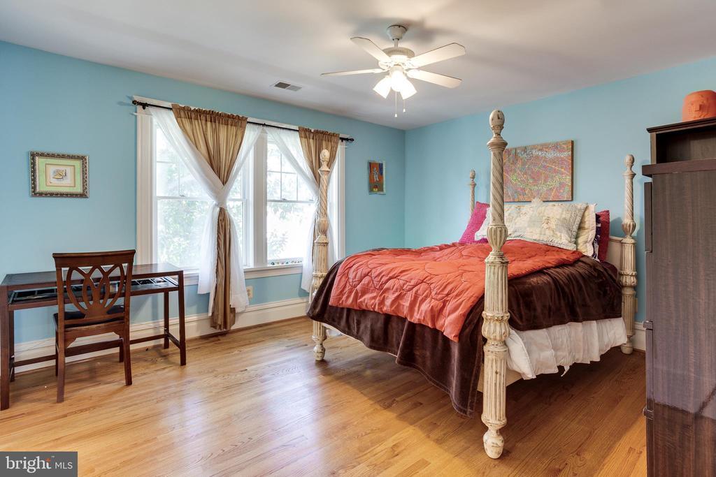 Bedroom 1 - 4311 BRADLEY LN, CHEVY CHASE