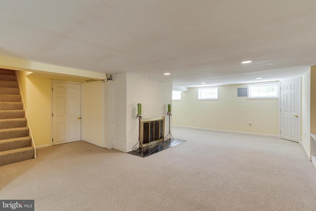 Basement with Wood Burning Fireplace - 4311 BRADLEY LN, CHEVY CHASE