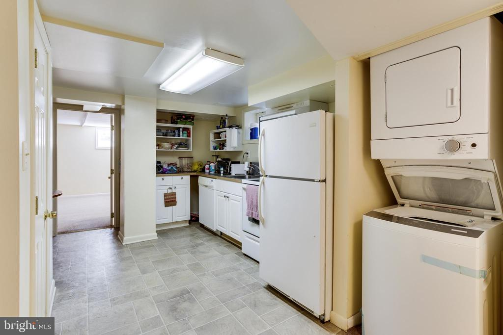Basement Kitchen & Laundry - 4311 BRADLEY LN, CHEVY CHASE