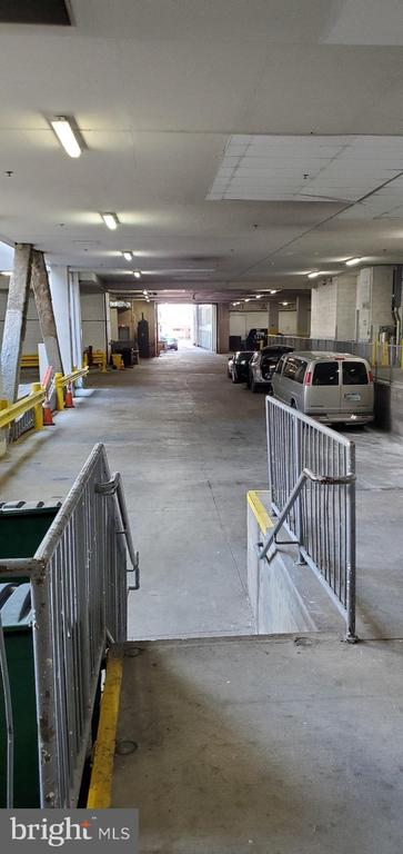 Loading dock available for reservations - 777 7TH ST NW #518, WASHINGTON