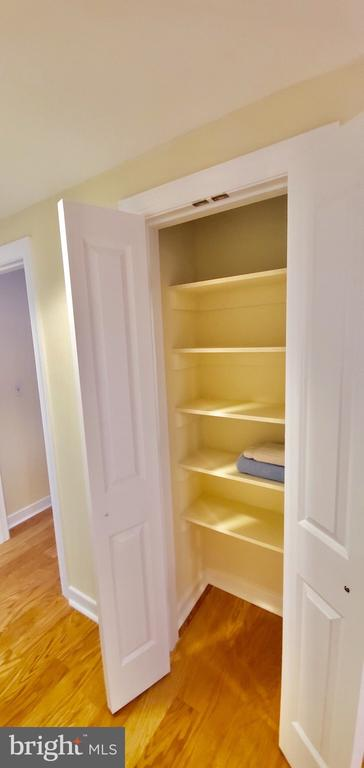 Linen closet - 777 7TH ST NW #518, WASHINGTON