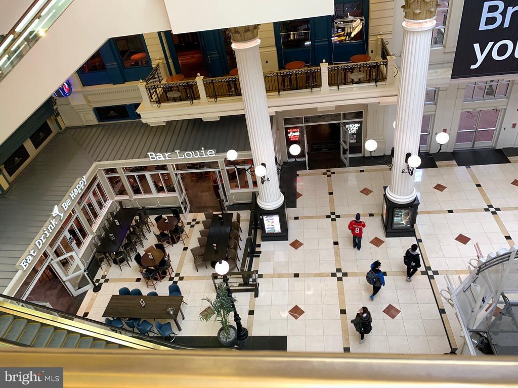 Neighborhood / Gallery  Place Mall - 777 7TH ST NW #518, WASHINGTON
