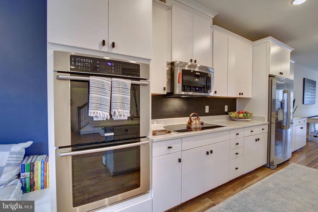Double oven - stainless steel appliances - 20539 MILBRIDGE TER, ASHBURN