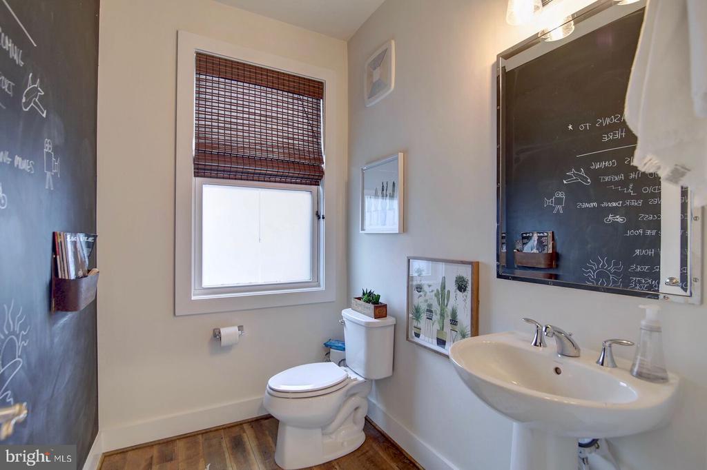 Powder room with custom chalkboard wall - 20539 MILBRIDGE TER, ASHBURN