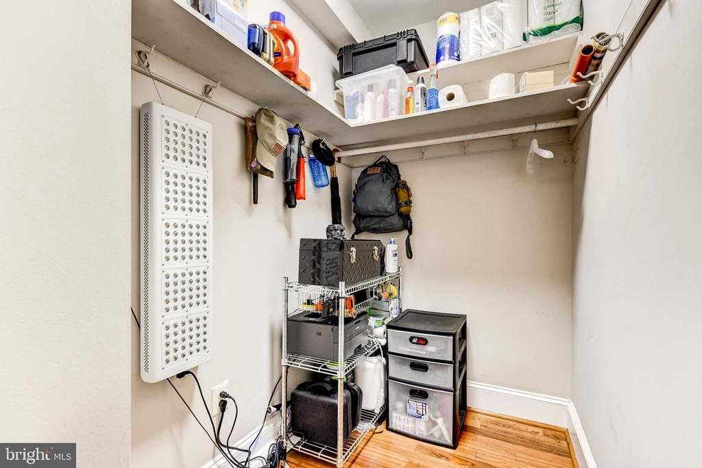 Pantry/Closet - 1 SCOTT CIR NW #9, WASHINGTON