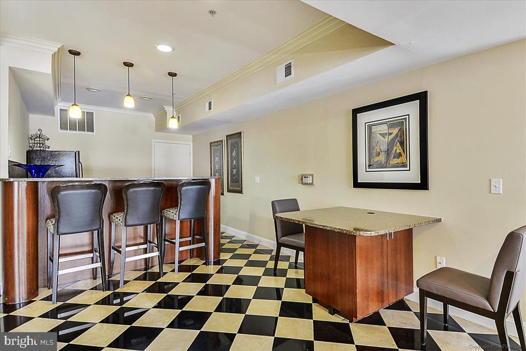 Bar Area in Condo Complex - 501 HUNGERFORD DR #157, ROCKVILLE