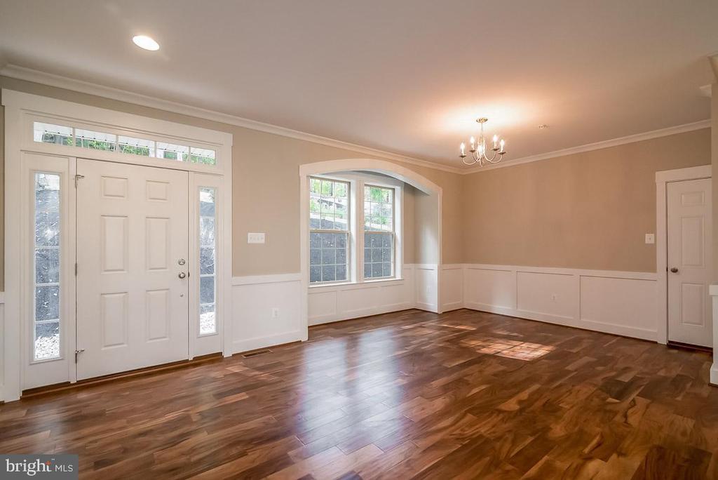 Beautiful hardwood floors throughout. - 344 SADDLE RD, NEW MARKET