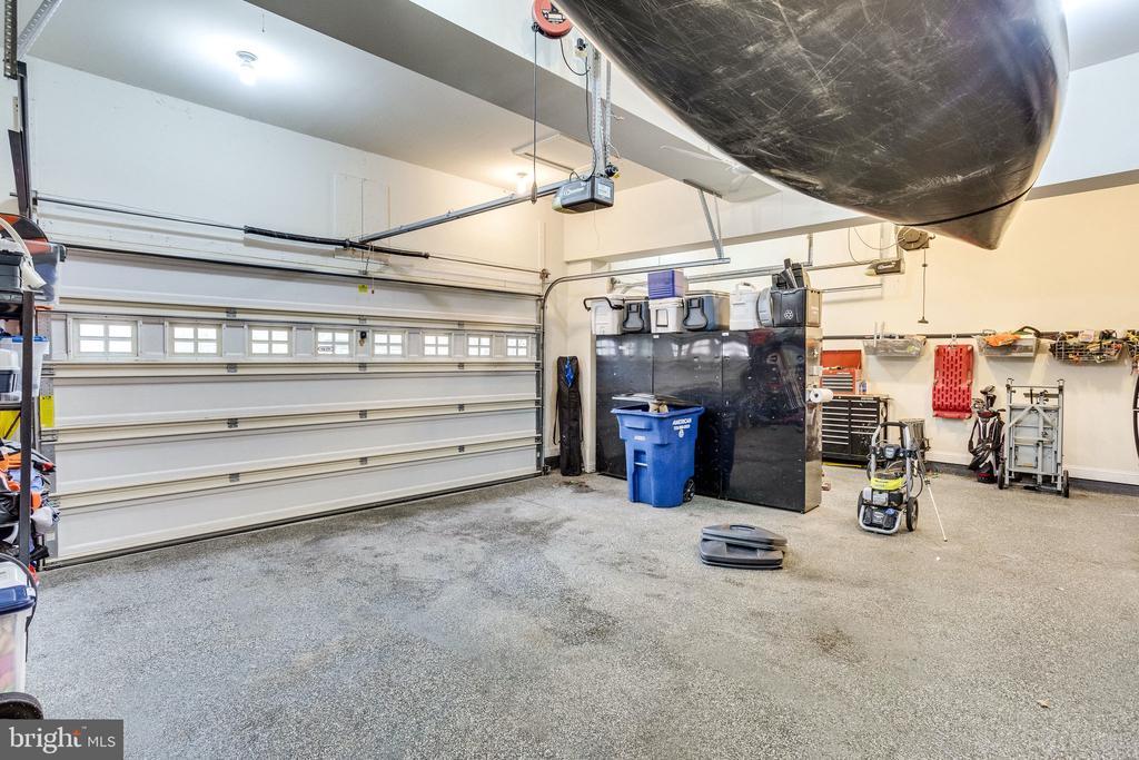 3 Car Garage with Upgraded Epoxy Flooring - 19350 WRENBURY LN, LEESBURG