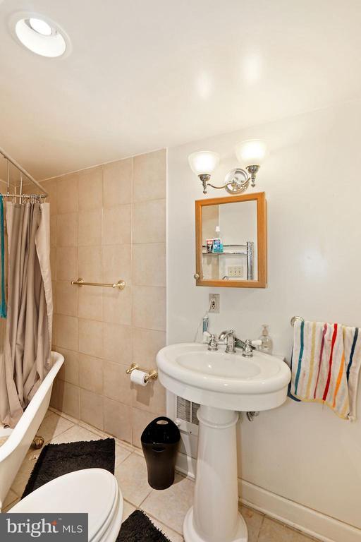 Lower Level Bath - 1009 OTIS PL NW, WASHINGTON