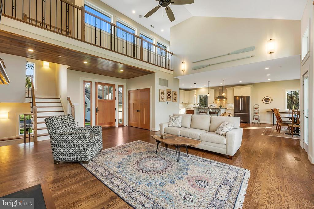 Hardwood floors bring warmth to the home - 1696 BEECH LN, ANNAPOLIS