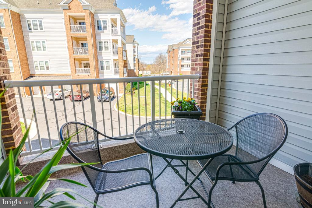 Perfect for morning coffee. - 20570 HOPE SPRING TER #205, ASHBURN