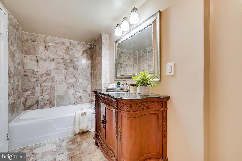 Master Bathroom - 11801 ROCKVILLE PIKE #1405, ROCKVILLE