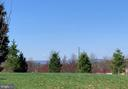 Take a walk , enjoy soothing sights of nature - 5812 ROCHEFORT ST, IJAMSVILLE