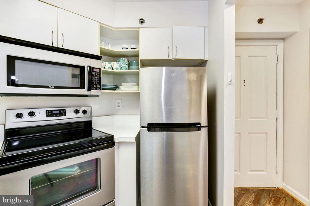 Kitchen - 601 PENNSYLVANIA AVE NW #211, WASHINGTON