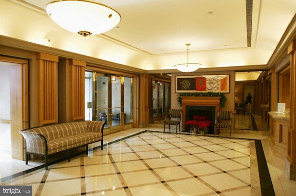 Main Lobby - 601 PENNSYLVANIA AVE NW #211, WASHINGTON