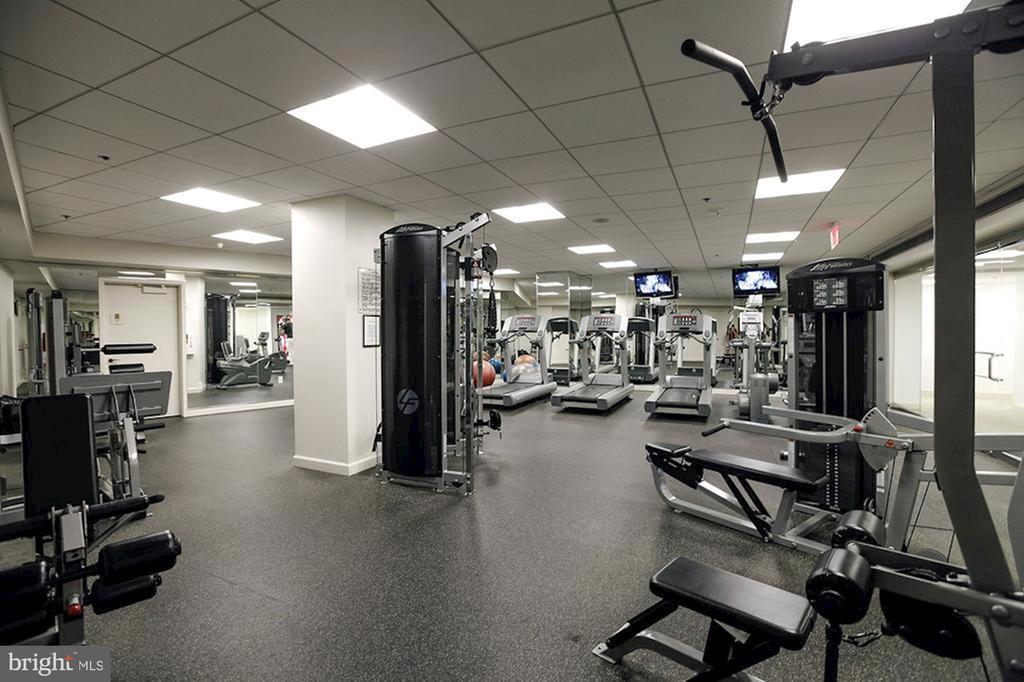 Fitness Center - 601 PENNSYLVANIA AVE NW #211, WASHINGTON