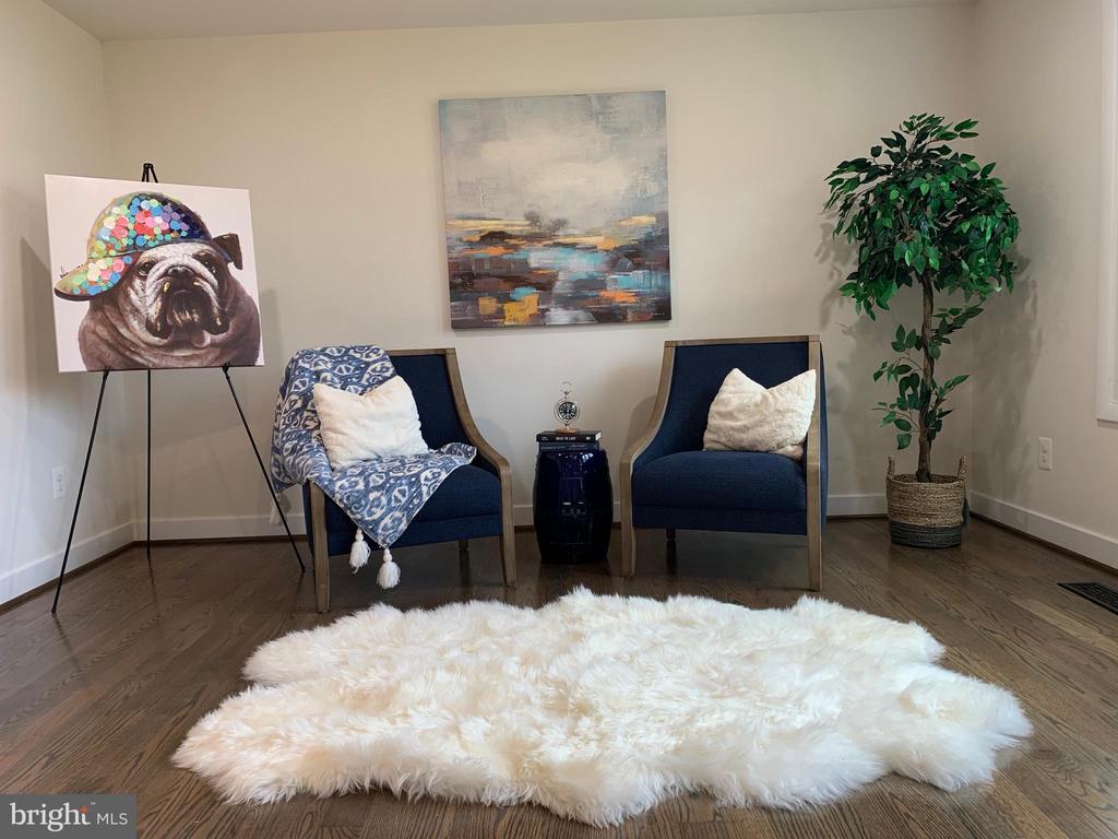 Beautiful Hardwood Floors! - 403 CONSTITUTION BLVD, LOCUST GROVE