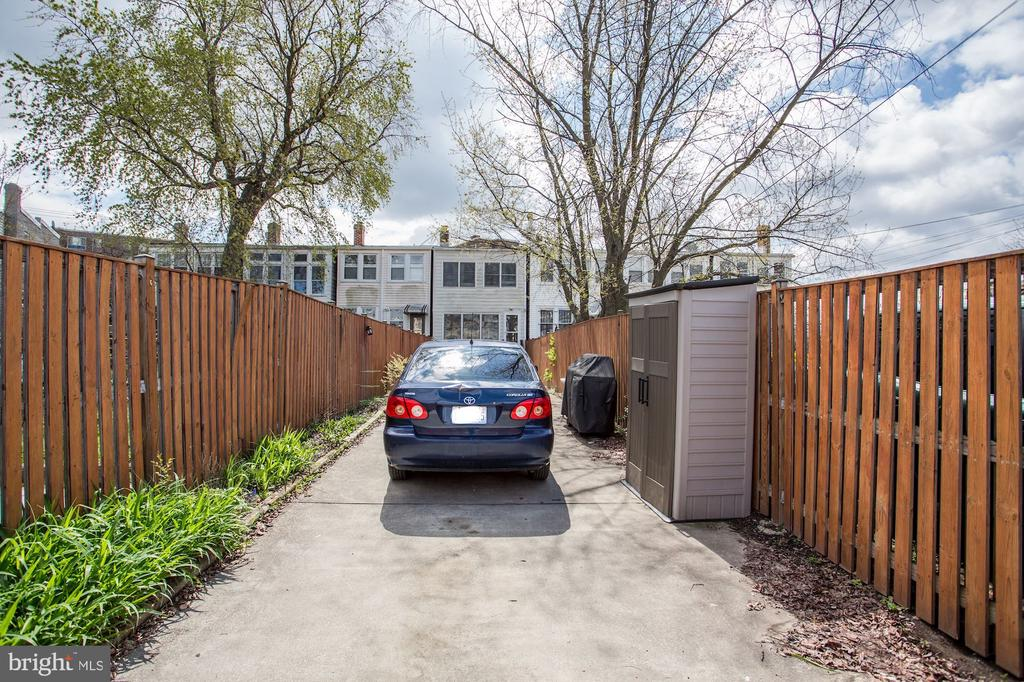 Parking accessed through alley - 618 EVARTS ST NE, WASHINGTON