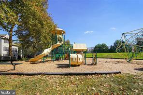 Community Playground/tot lot! - 13920 HIGHSTREAM PL #693, GERMANTOWN