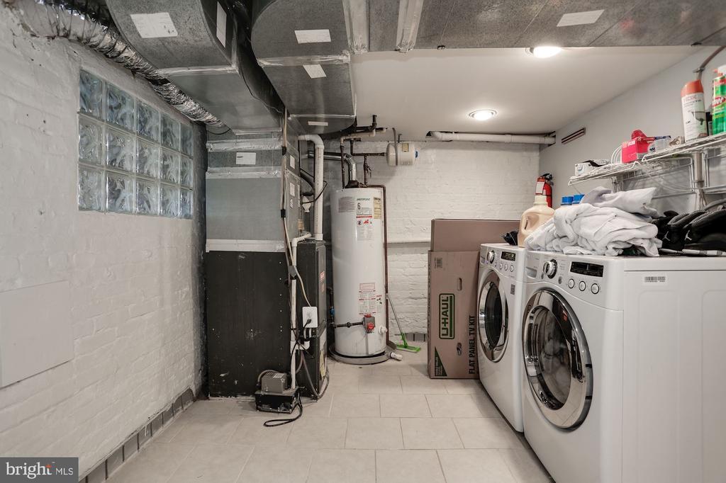 Laundry in Basement - 618 EVARTS ST NE, WASHINGTON