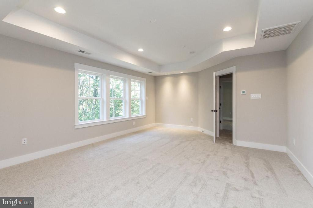 Gorgeous tray ceilings. - 3012 (LOT 3) THURSTON RD., FREDERICK