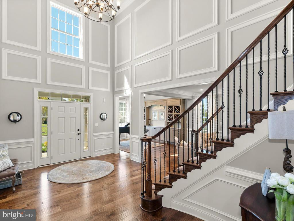 Elegant 2 story Foyer - 41488 DEER POINT CT, ALDIE