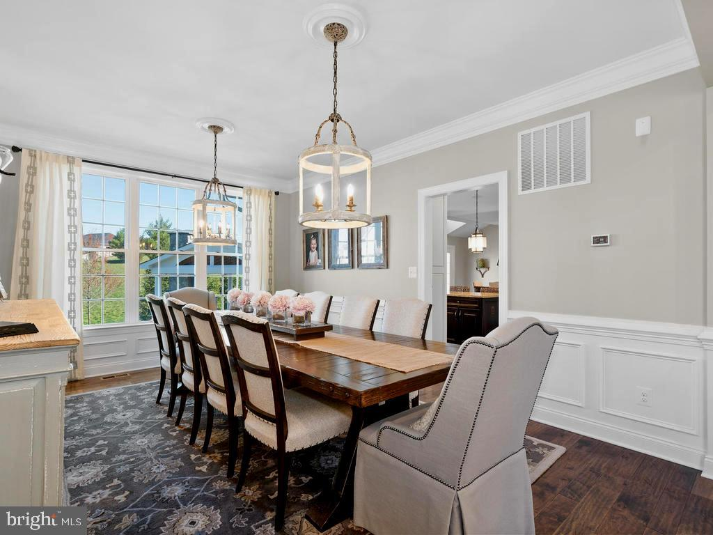 Formal Dining Room with view to backyard - 41488 DEER POINT CT, ALDIE