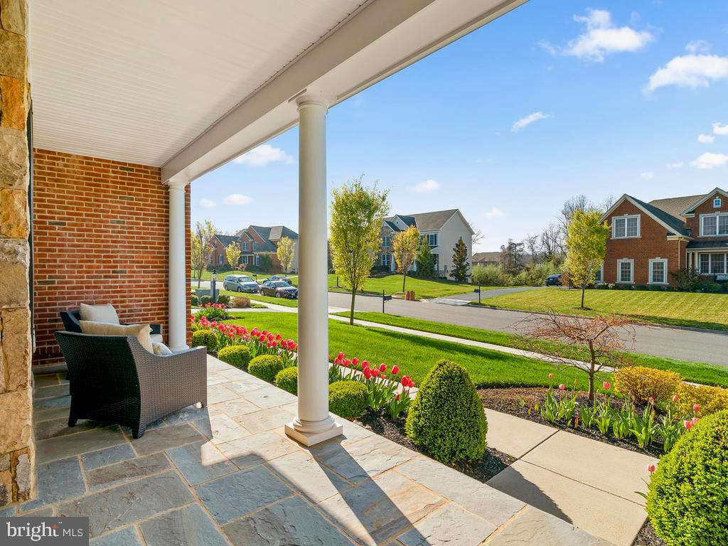 View from your front door out to the neighborhood - 41488 DEER POINT CT, ALDIE