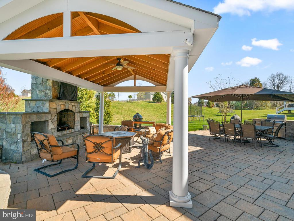 You can Really enjoy the outdoors! - 41488 DEER POINT CT, ALDIE