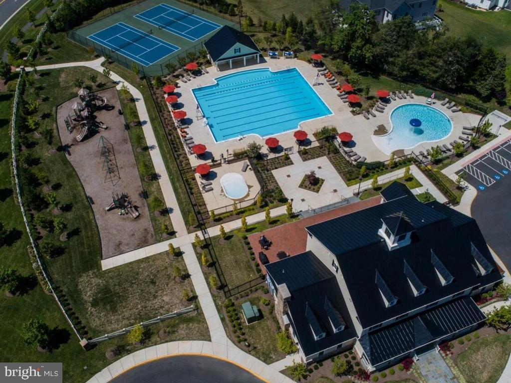Aerial of the Clubhouse, Pools, tennis &playground - 41488 DEER POINT CT, ALDIE