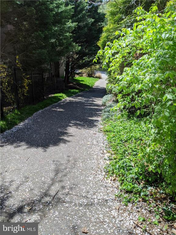 Path from Merrimac Park - 6308 MOUNTAIN BRANCH CT, BETHESDA