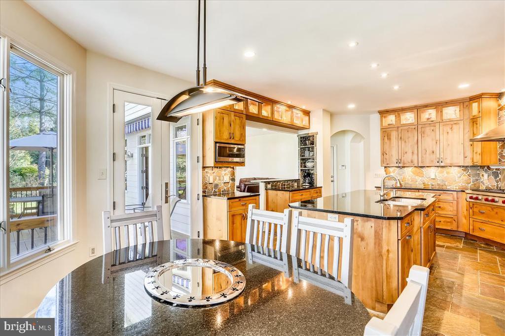 Breakfast Area and Gourmet Kitchen - 6308 MOUNTAIN BRANCH CT, BETHESDA