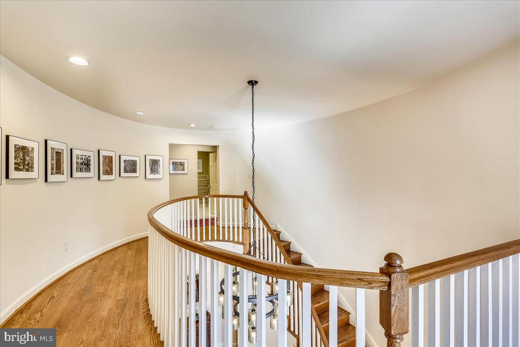 Upper Level Curved Staircase - 6308 MOUNTAIN BRANCH CT, BETHESDA