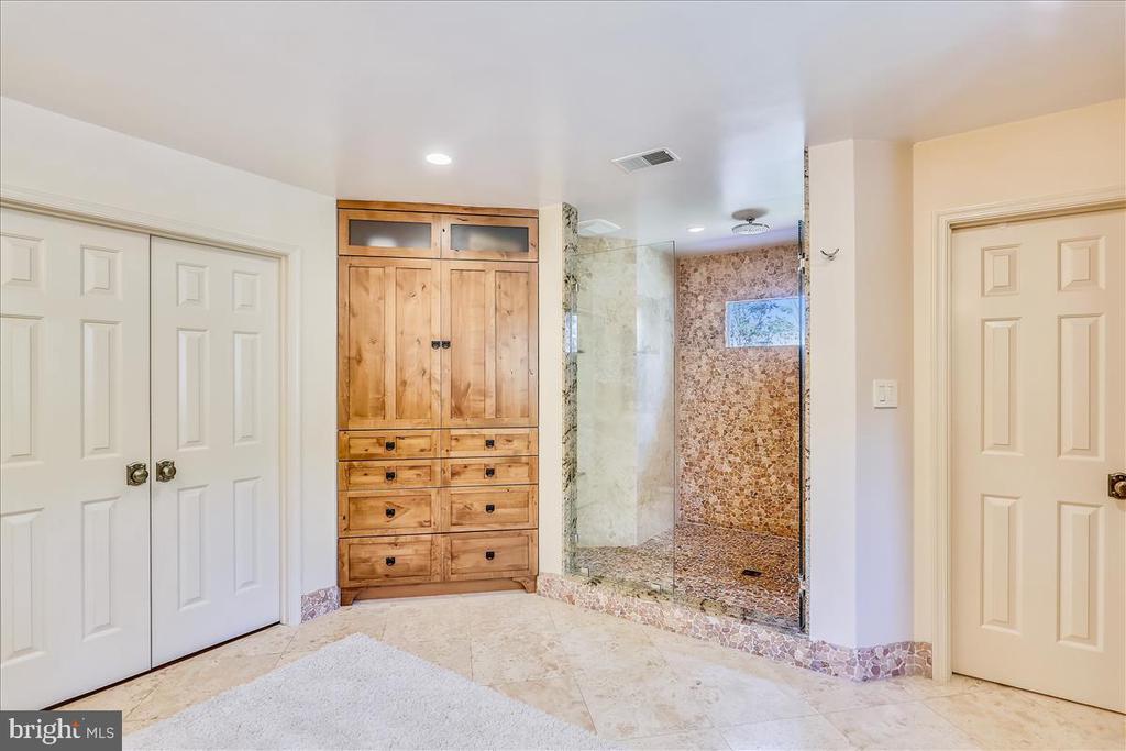 Master Bathroom - 6308 MOUNTAIN BRANCH CT, BETHESDA