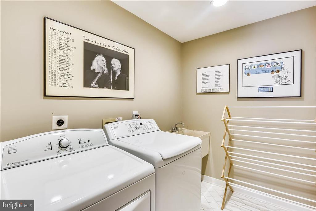 Upper Level (bedroom Level) Laundry Room - 6308 MOUNTAIN BRANCH CT, BETHESDA