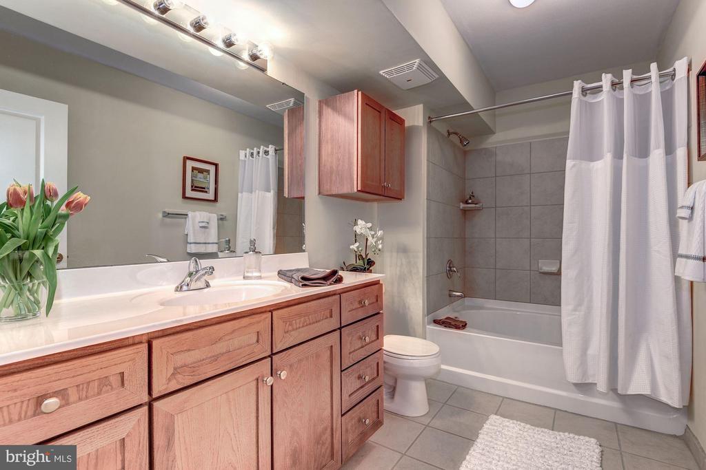 Full-sized bath - 631 D ST NW #726, WASHINGTON