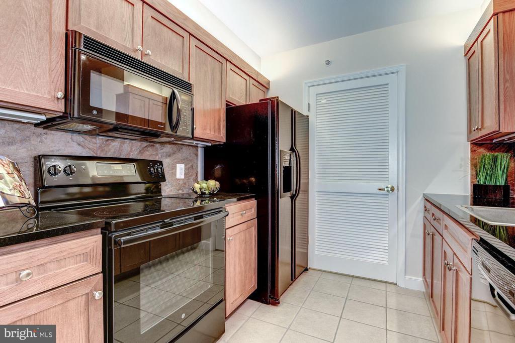 Kitchen - 631 D ST NW #726, WASHINGTON